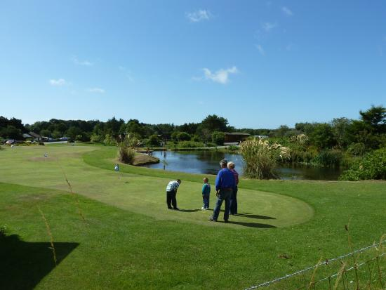 Brighouse Bay Holiday Park: Mini Golf Area