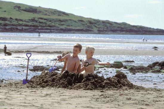 Brighouse Bay Holiday Park: Beach