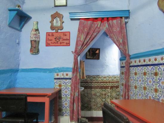 Restaurant granada  chefchaouen : Restaurante por dentro