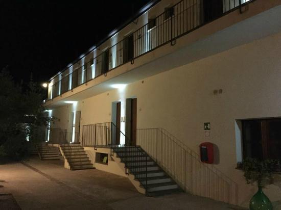 Alghero Resort Country Hotel: ottimo aspetto esterno anche di notte