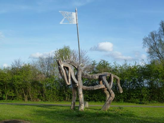 ‪Tewkesbury Battlefield Commemorative Sculptures‬