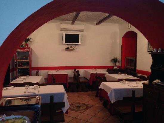 Taverna Rossa : interno caratteristico