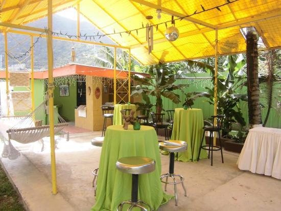 D'Lime Inn: Bar area recreativa