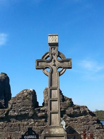 Abbey of the Four Masters (The Abbey): Celtic cross