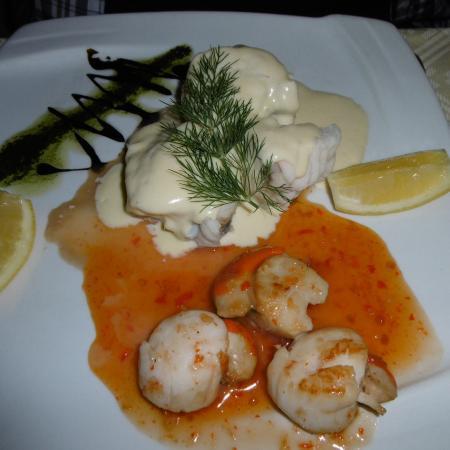 Mangos Restaurant: Scallops and monkfish