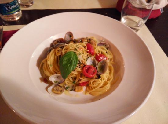 Dalla Padella alla Brace : Spaghetti vongole e bottarga