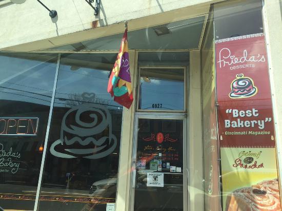 Frieda's Bakery: Best pastries ever!