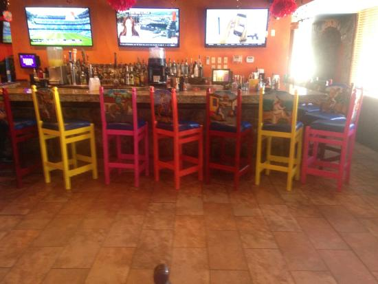 La  Tolteca: Bar area at front of main dining room