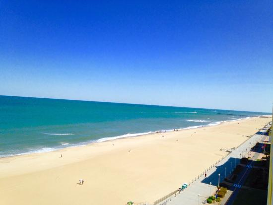 Holiday Inn Express Hotel & Suites Virginia Beach Oceanfront: View from the 10th floor...absolutely stunning!