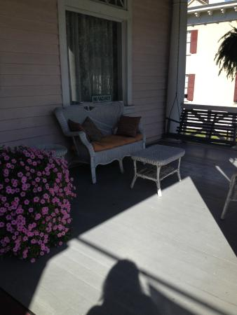 Rosehill Inn: Front Porch