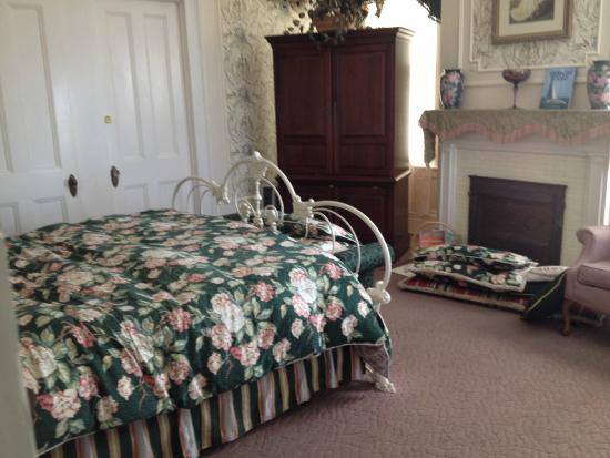 Rosehill Inn: The Master Suite