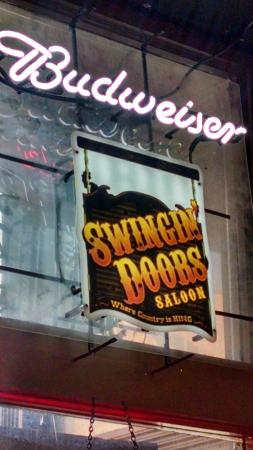‪Swingin' Doors Saloon‬