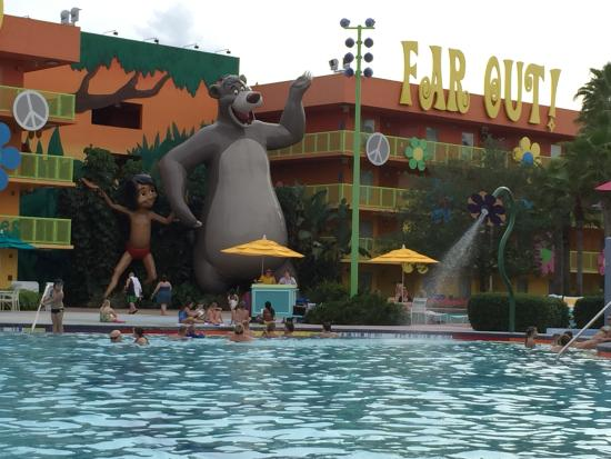 60 39 s building 5 facing pool picture of disney 39 s pop for Pool show orlando 2015