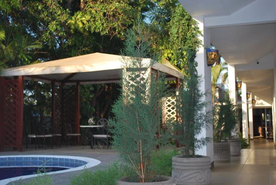 Angel Azul Hotel Boutique: Piscina y jardin