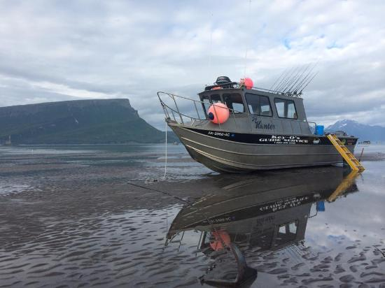 Ninilchik, AK: clam Boat