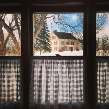 Lyndonville, VT: Country Home