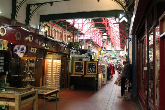 George's Street Arcade: Inside the arcade.