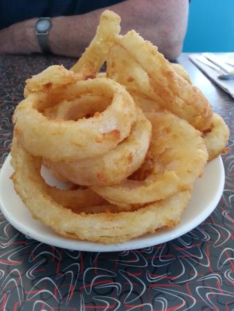 Twohey's Restaurant : The onion rings