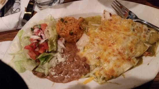 El Sol Mexican Restaurant : chicken enchiladas verde