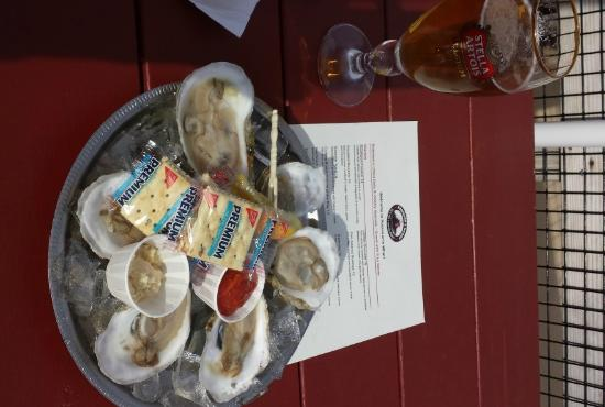 Southport, ME: Fresh Oysters and a Beer