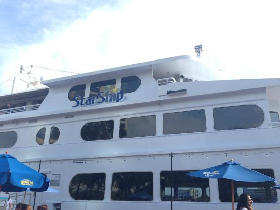 Yacht StarShip Cruises And Events