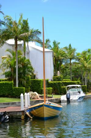 Portside Noosa Waters Resort: Private Jetty & Boat