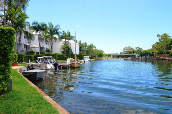Portside Noosa Waters Resort: Boats Galore