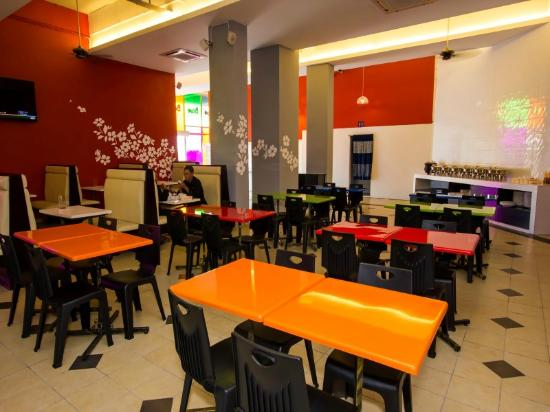 Best Price on Doubletree by Hilton Hotel Johor Bahru in