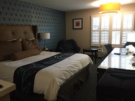 Hotel Indigo Napa Valley: King bed room