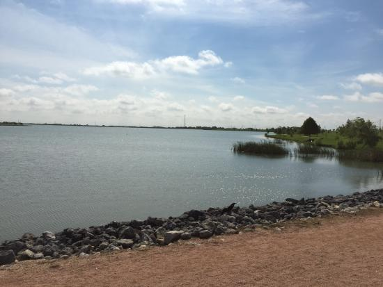 Pflugerville, Техас: Lake view from the running trail