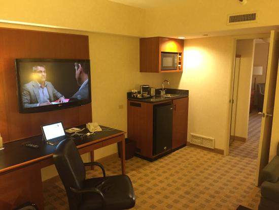 Doubletree Suites by Hilton Hotel & Conference Center Chicago / Downers Grove: photo0.jpg