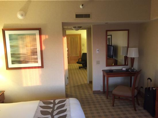 Doubletree Suites by Hilton Hotel & Conference Center Chicago / Downers Grove: photo2.jpg