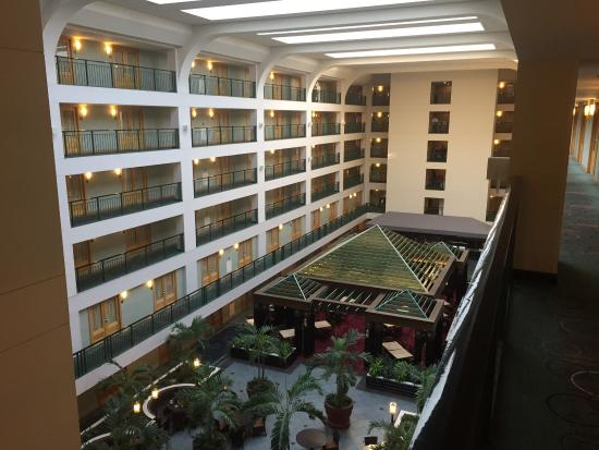 Doubletree Suites by Hilton Hotel & Conference Center Chicago / Downers Grove: photo3.jpg