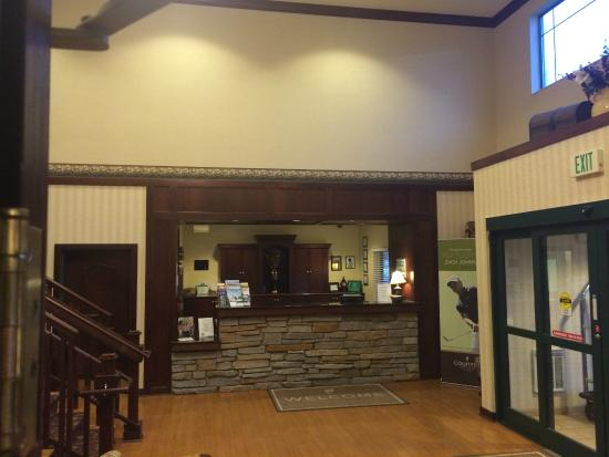 Country Inn & Suites By Carlson, Madison West: Front Desk