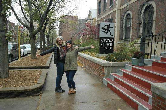 Chicago Getaway Hostel: Hostel Entrance