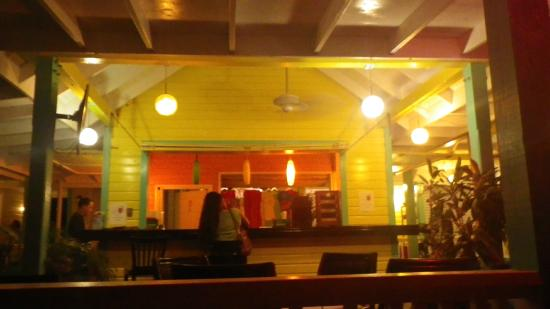 Ocean Club Cabana Bar & Grill: Barra