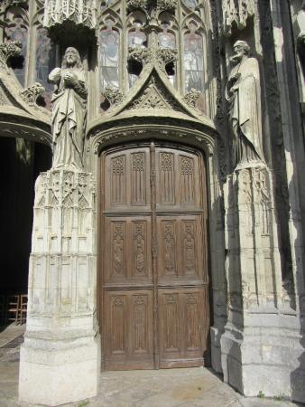 Abbaye de la Trinite: Great wood and stone work