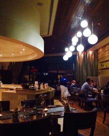 Waterside Grill &Bar: Restaurant interior