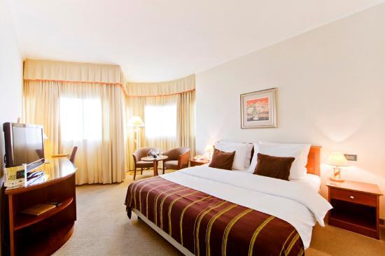 Hotel Dubrovnik: King bed