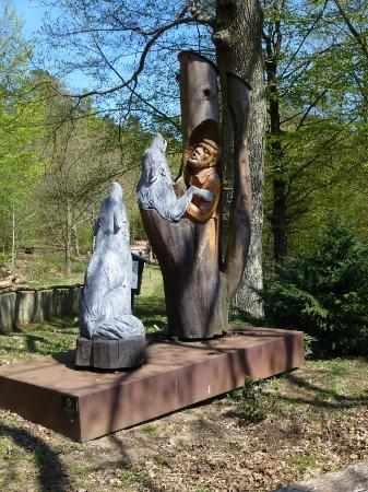 Wolfspark Werner Freund: Statue encountered just after entering