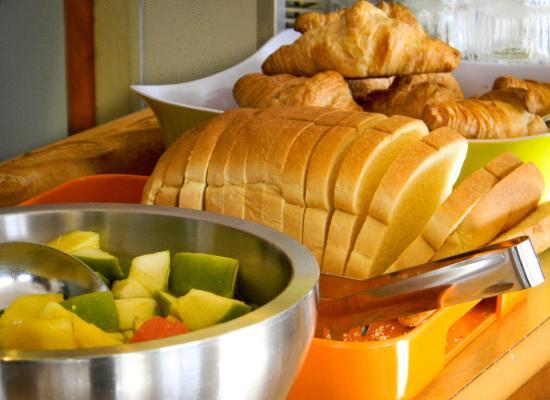 Ibis Budget Dijon Saint Apollinaire : espace petit dejeuner