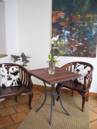 Hotel Alvaro de Torres: ZONA DE ESTAR EN LA GALERIA SUPERIOR