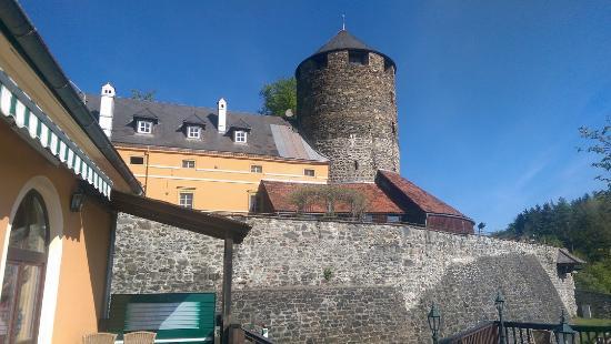 Burg Hotel: Burgansicht