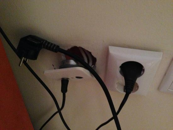 Would a 4 star hotel have cables like this? - Picture of Mantas ...