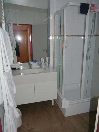 LeoMar Flatrate Hotel: Blick ins Bad
