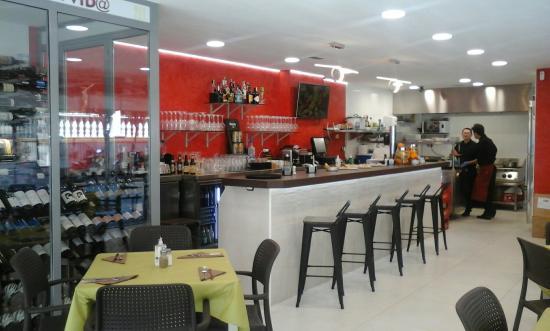 Restaurante restaurante la buena vida en marbella con for Cocinas marbella