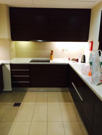 Al Ghurair Living Managed by AccorHotels: Kitchen