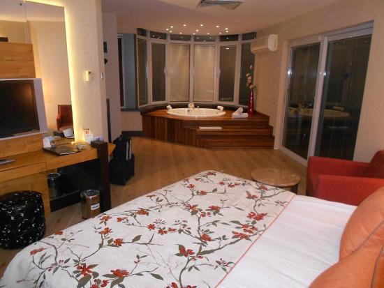 Hotel Met Jacuzzi In Slaapkamer : kamer met jacuzzi - Foto van Limak ...