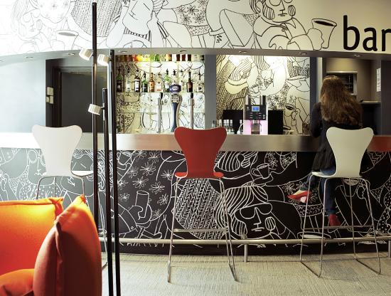 Ibis Paris Issy Les Moulineaux Val de Seine : Bar