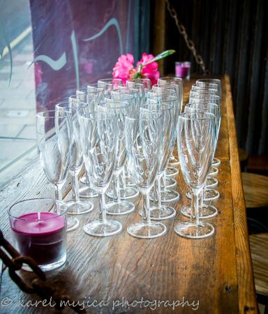 The Gourmet Pig: prosecco at the ready